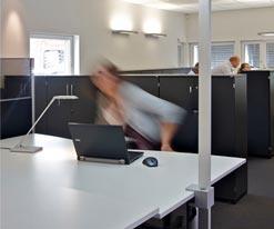 srb-consulting-einsatzbereich-beleuchtung-arbeitsplatz-grossraumbuero
